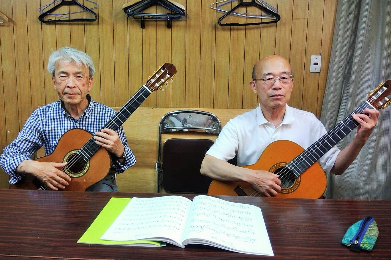 大正琴・ウクレレ・ギター教室
